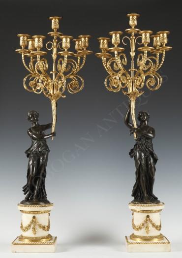 paire-de-grands-candelabres-aux-vestales
