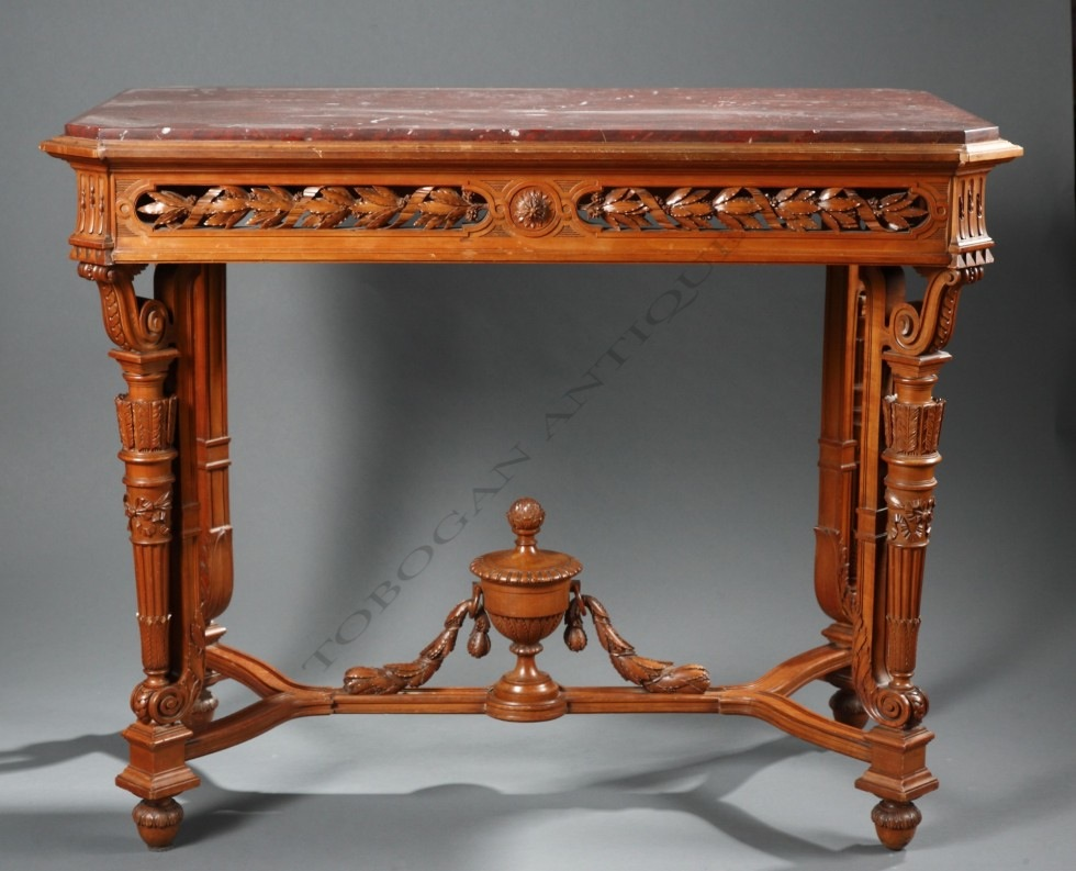 A.E. Beurdeley<br />Table de milieu