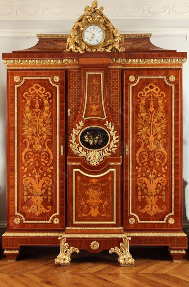 Maison Forest<br/> Imposante armoire-régulateur