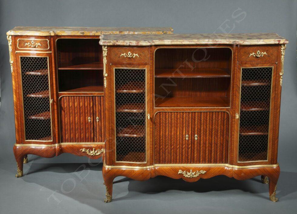 P. Sormani<br />Paire de meubles-bibliothèques