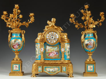 Garniture en porcelaine et bronze doré - Tobogan Antiques - Antiquaire Paris