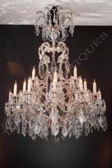 Lustre en cristal - Tobogan Antiques - Antiquaire Paris