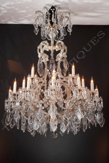 Lustre en cristal - Tobogan Antiques - Antiquaire Paris