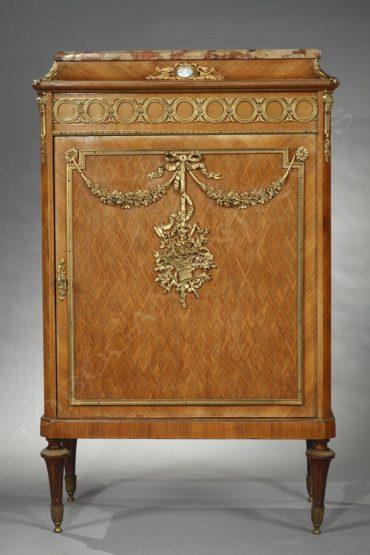 Meuble d'appui à médaillon en porcelaine – attribué à F. Linke – Tobogan Antiques – Antiquaire Paris 8ème