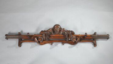 Porte-manteaux au Magot – Tobogan Antiques – Antiquaire Paris 8ème
