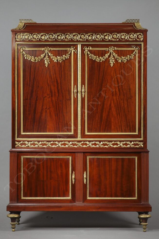 P. Sormani <br/> Charming cabinet