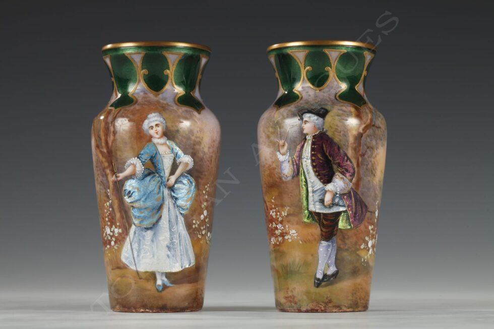 Charmante paire de Vases