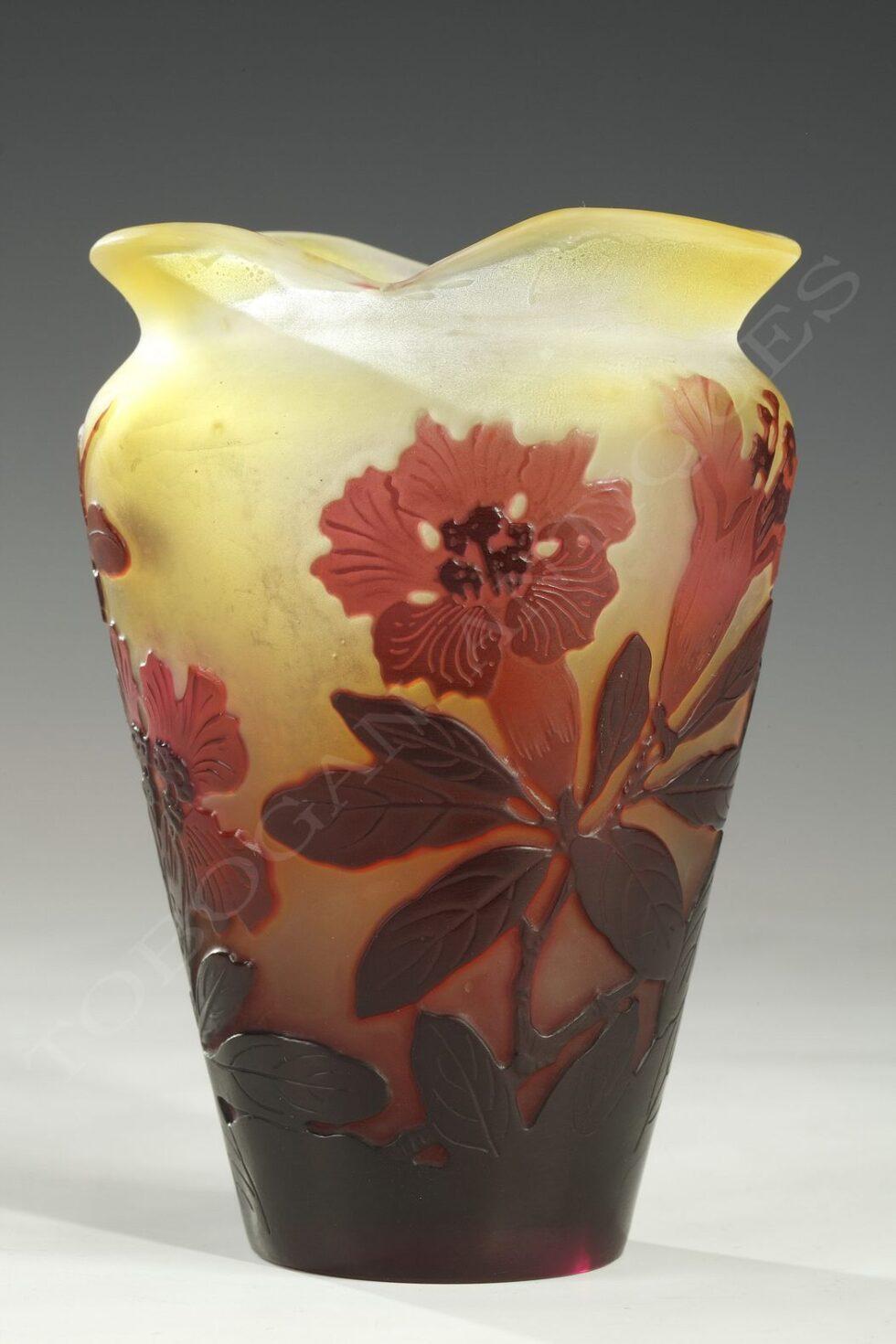 """E. Gallé <br/> """"Lilies"""" Vase"""