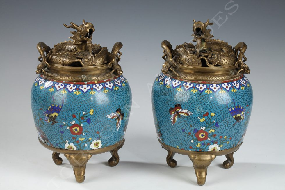 Pair of Chinese perfume burners