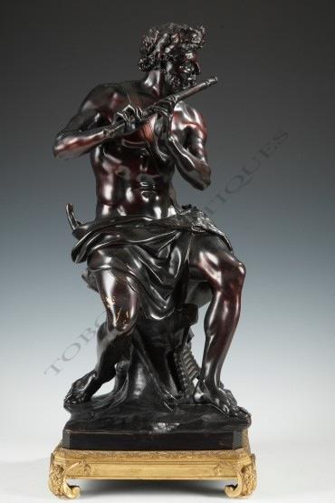 """""""Berger flûteur"""" Coyzevox bronze sculpture Tobogan Antiques Paris antiquités XIXe siècle"""