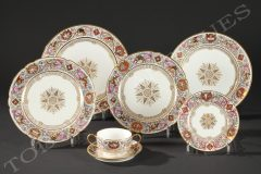"""Sèvres""""Fontainebleau Hunts"" dining set"