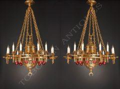 Paire de lustres orientalisants en bronze doré sur fond patiné
