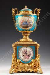 "Clock with putti  ""Sevres"""