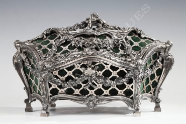 Elegant silvered bronze coffer