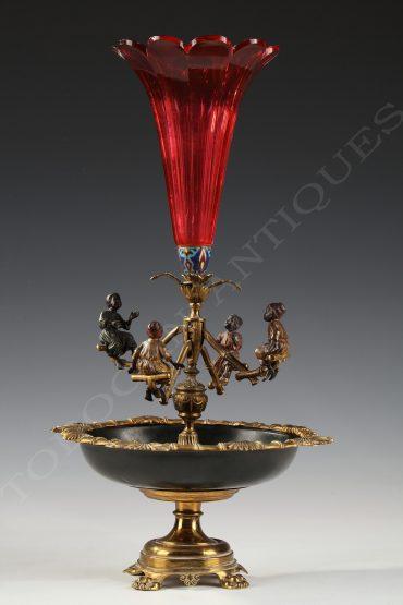bronze-vienna-centerpiece