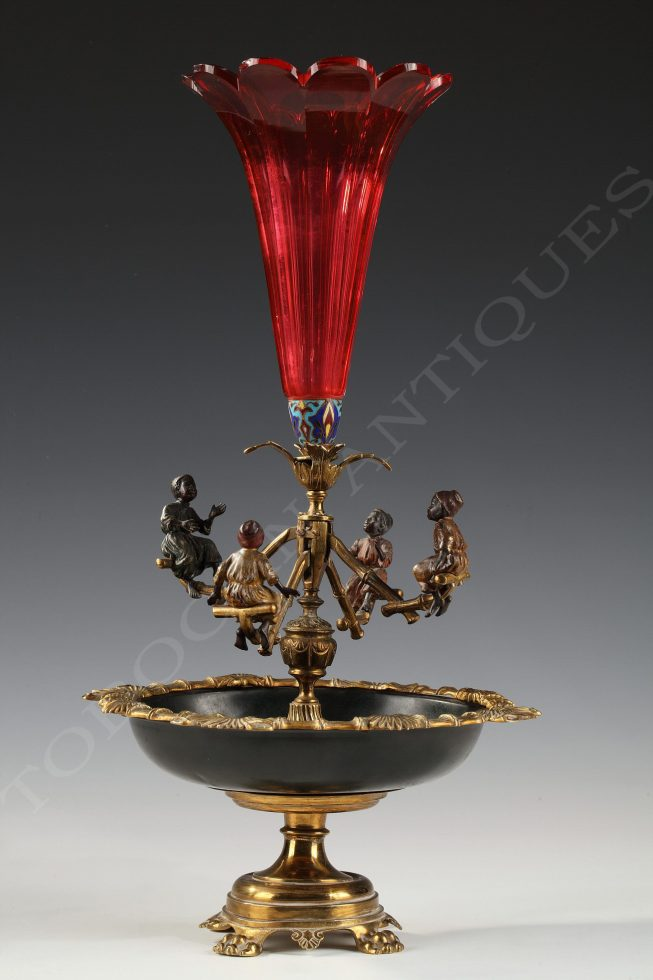 Vienna <br/> Bronze and Cristal Centerpiece