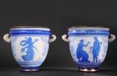 Baccarat Paire de vases en cristal opale