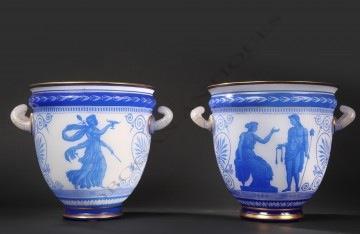Baccarat<br/> Paire de vases en cristal opale