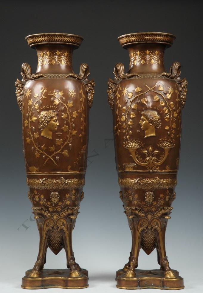 F. Levillain & F. Barbedienne<br /> Paire de vases Amphores