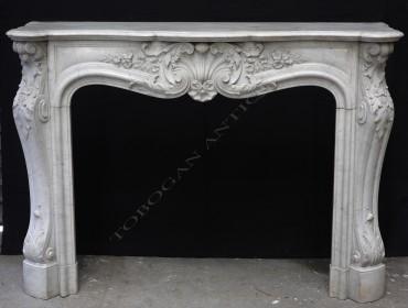 Cheminée de style Louis XV marbre Tobogan Antiques Paris antiquités XIXe siècle3