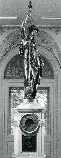 Pendule bronze marbre onyx, émail, Carrier-Belleuse, c.1867, Paris 1867, n°256