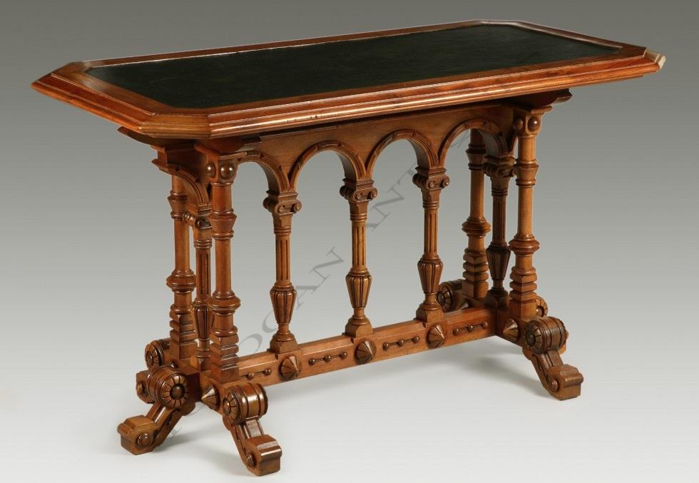 Table <br/> néo-Renaissance