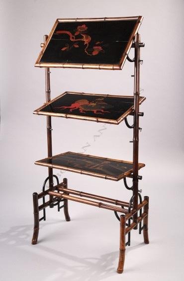 Table servante en laque du Japon Tobogan Antiques Paris antiquités XIXe siècle
