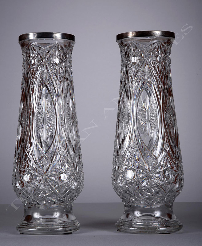 baccarat paire de vases en cristal tobogan antiques. Black Bedroom Furniture Sets. Home Design Ideas