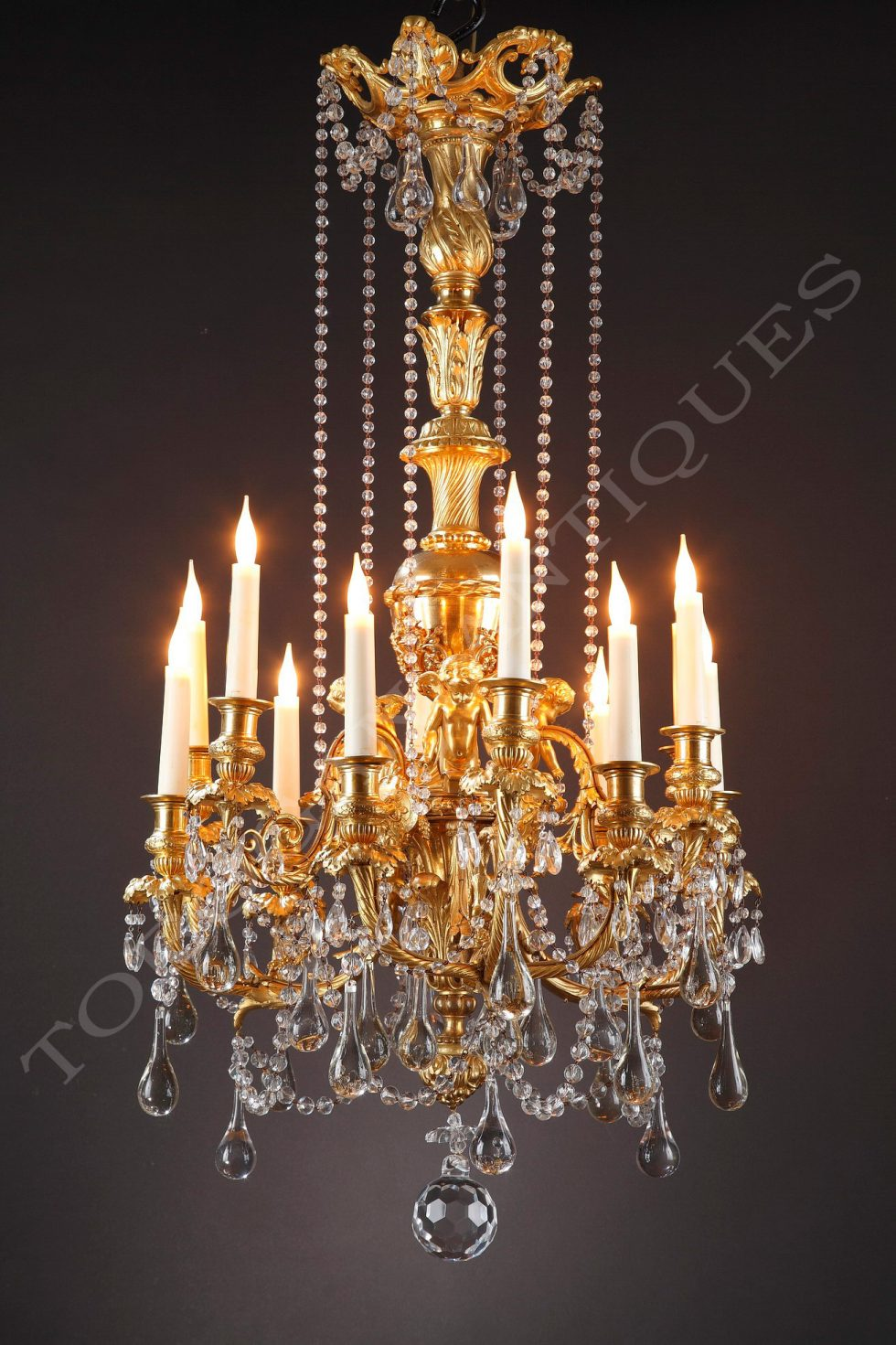 Baccarat <br/> Chandelier with putti