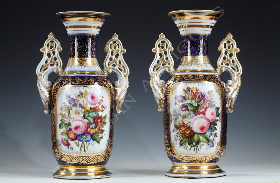 Manufacture of Valentine <br/> Elegant pair of vases