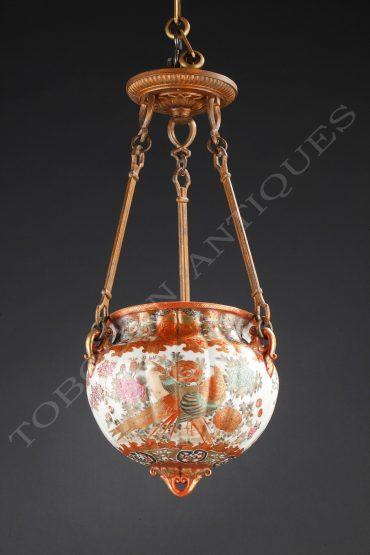 Suspension en porcelaine de Kutani - Tobogan Antiques - Antiquaire Paris