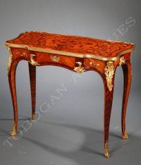 P. Sormani  Table de style Louis XV