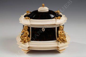 A. Giroux <br/> A rare jewel casket
