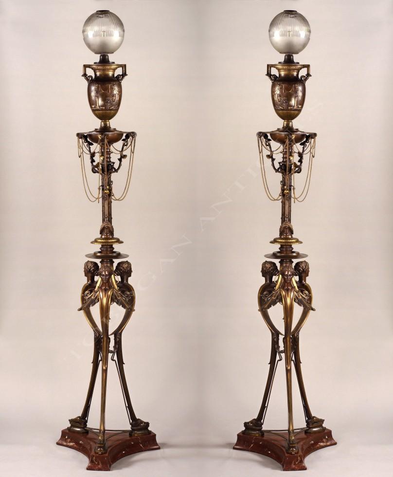 H. Cahieux & F. Barbedienne<br />Paire de lampes néo-Grecques