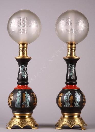 paire-de-lampes-en-porcelainede-style-pompeien