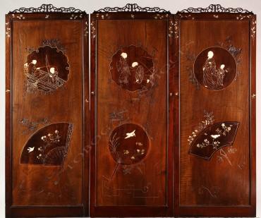 Suite de trois panneaux Japonisants Tobogan Antiques Paris antiquités XIXe siècle
