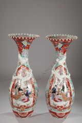 ImariPair of large vases
