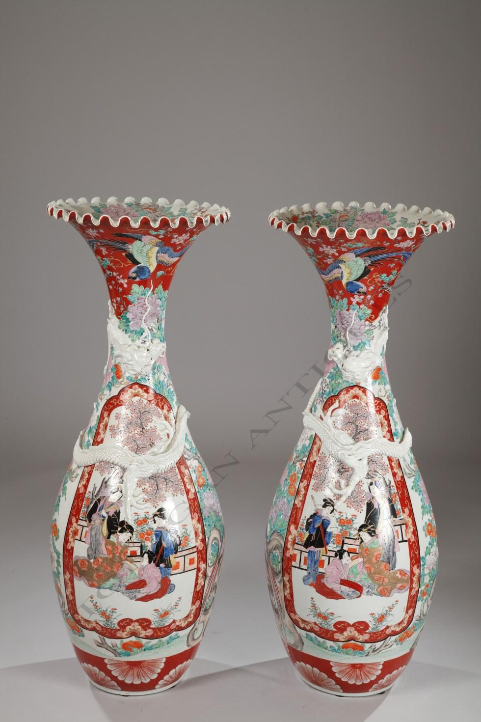 """""""Imari""""<BR /> Paire de grands vases"""
