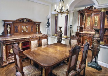 net-renaissance-dining-room-set