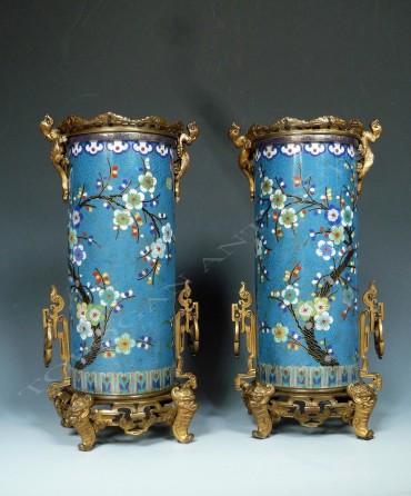 Paire de vases en émail cloisonné Bronze japonisme Barbedienne Tobogan Antiques Paris antiquités XIXe siècle