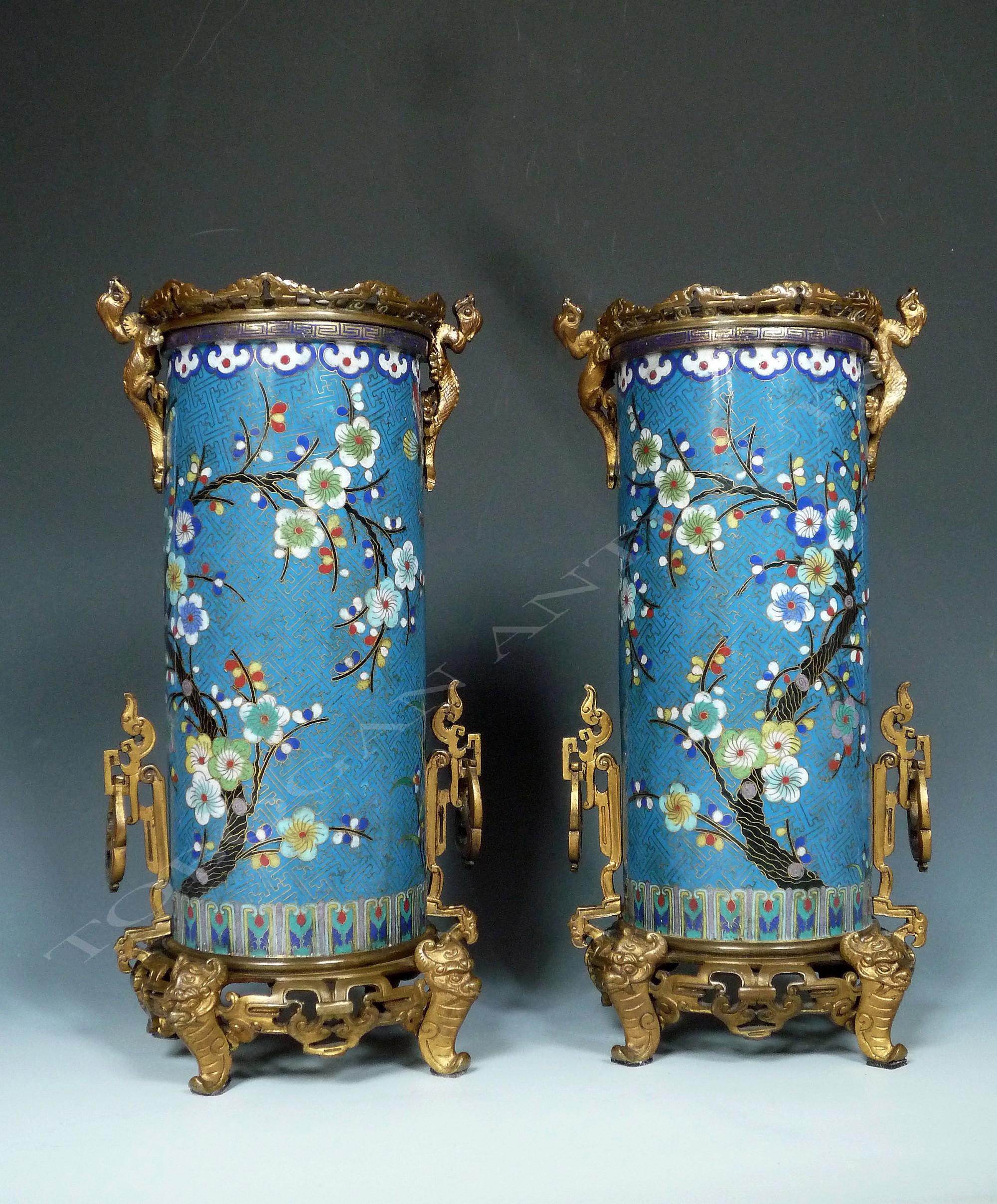 Très Paire de vases en émail cloisonné par Barbedienne - Tobogan Antiques XG17
