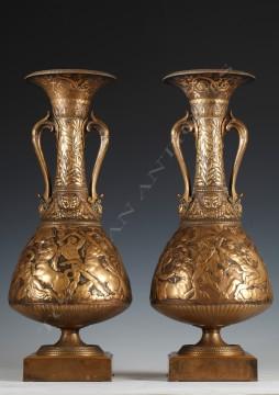 F. Levillain & F. Barbedienne<br/> Paire de vases amphores néo-Grecs