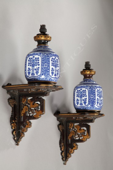 Paire d'appliques Japonisantes porcelaine bronze L'Escalier de Cristal Tobogan Antiques Paris antiquités XIXe siècle